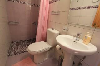 budget studio george bathrom amenities