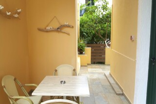 budget studio george veranda