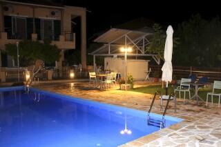 pool view studio george night
