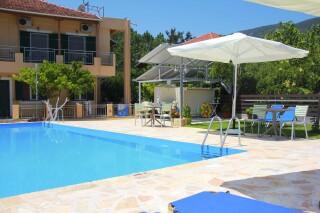 pool view studio george swimmin pool