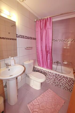 standard room george studios bathroom amenities
